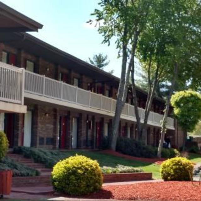 NEW Best Western King's Quarters