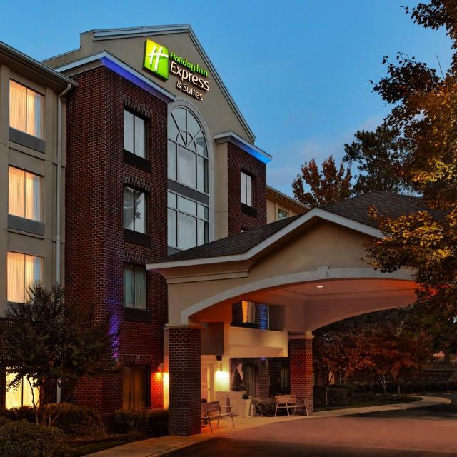 NEW Holiday Inn Express Brandermill