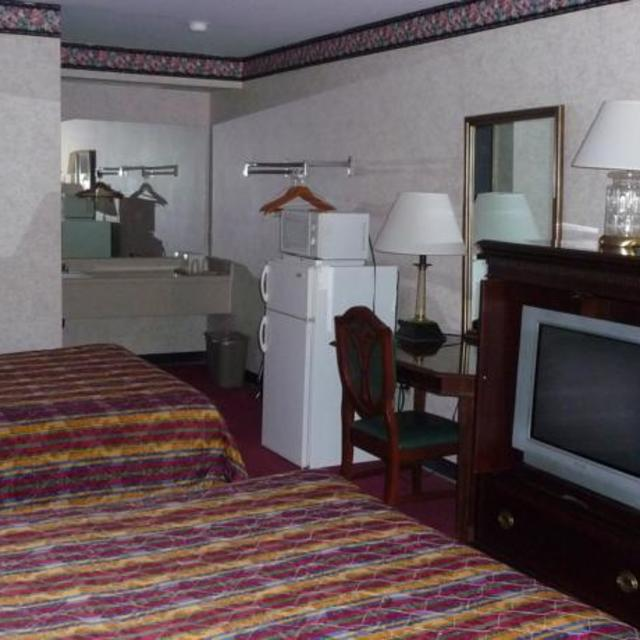 NEW Royal Inn