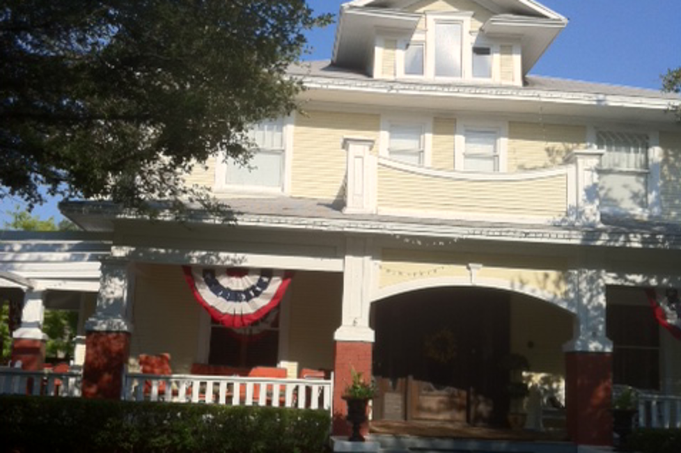 Rosen House Front Yard