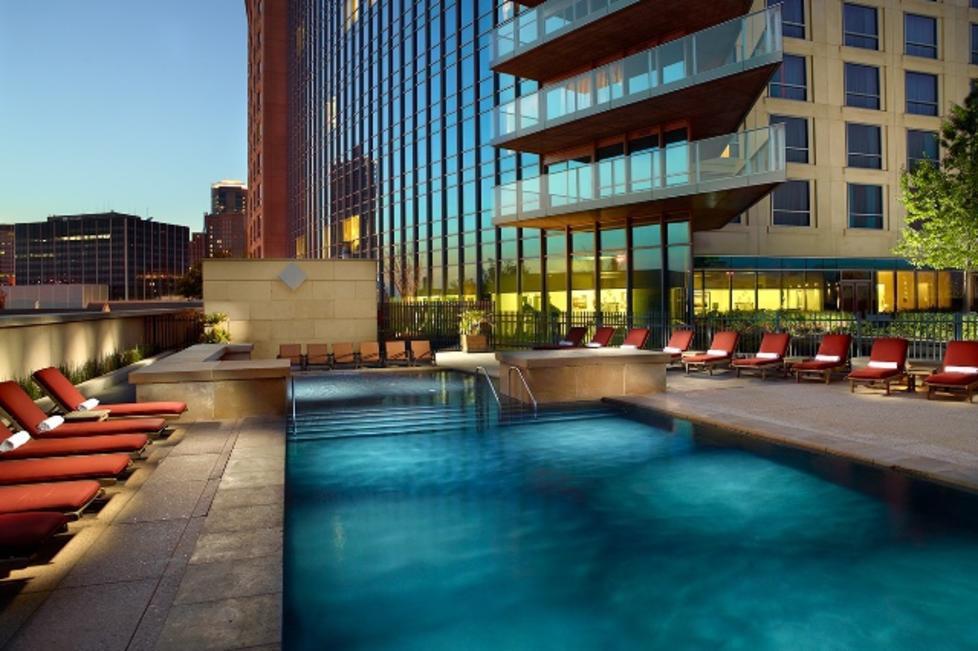 Omni Fort Worth Pool