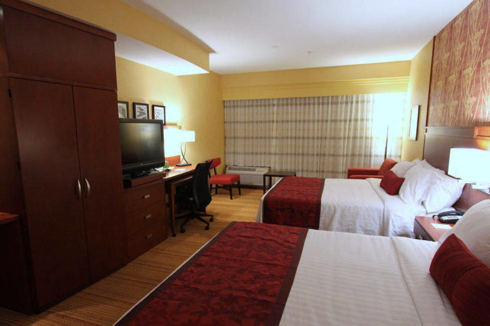 courtyard by marriott west at cityview