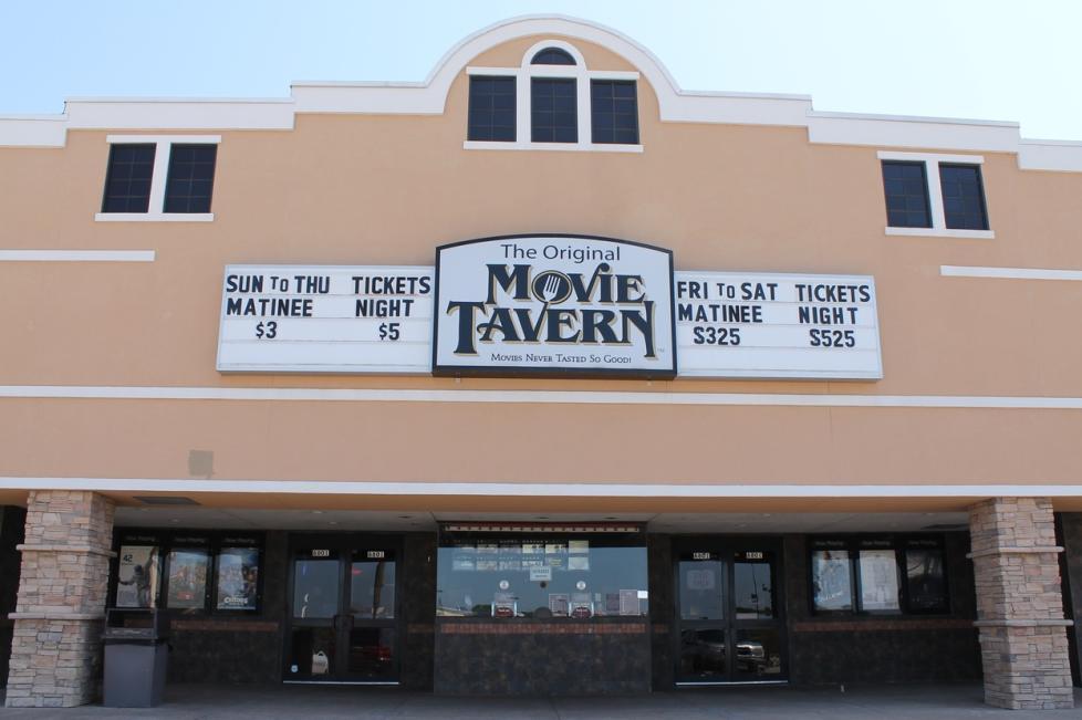 ridgmar movie tavern