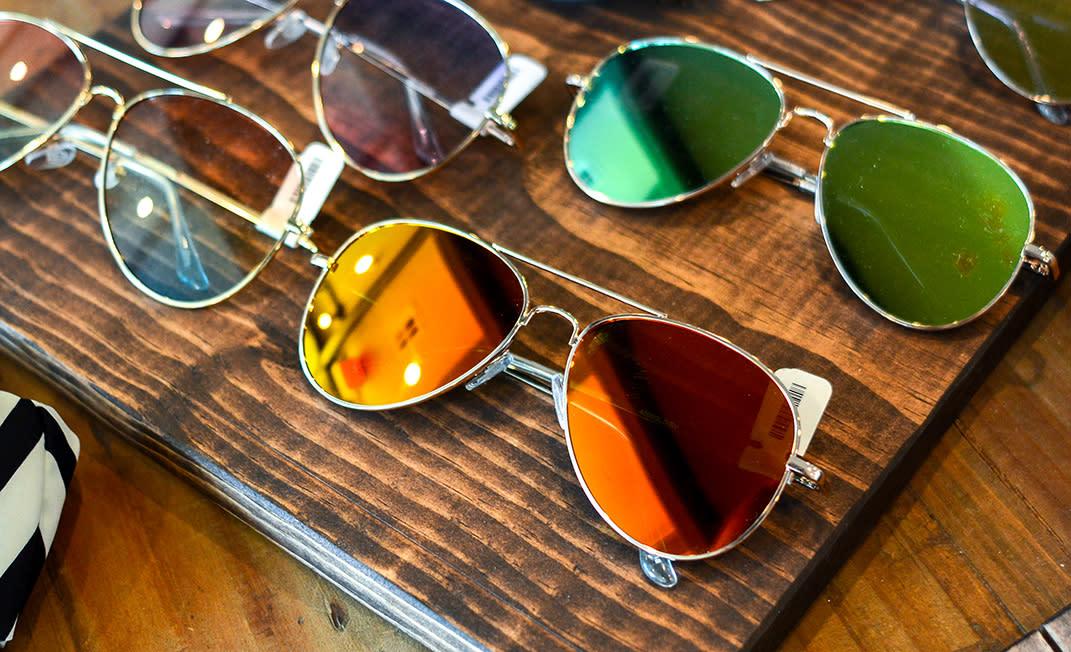 summer essentials - sunglasses - body
