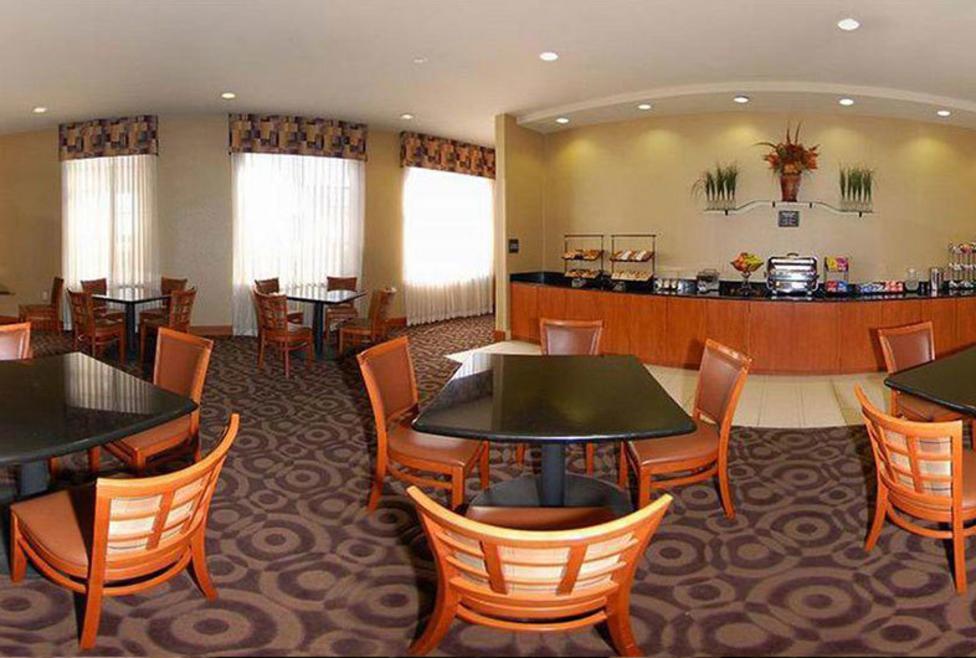 Comfort Inn DFW Airport North Dining