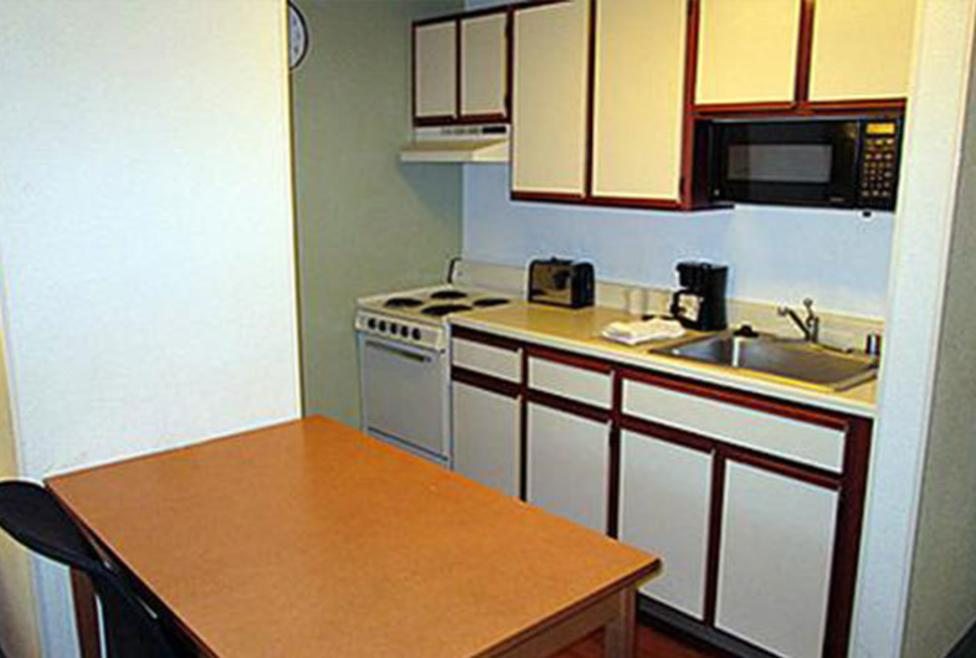Extended Stay Deluxe - Meadow Creek - Kitchenette