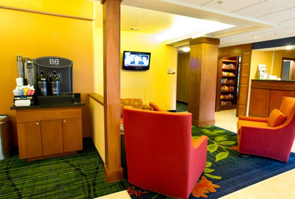 Fairfield Inn & Suites - DFW Airport North - Lobby