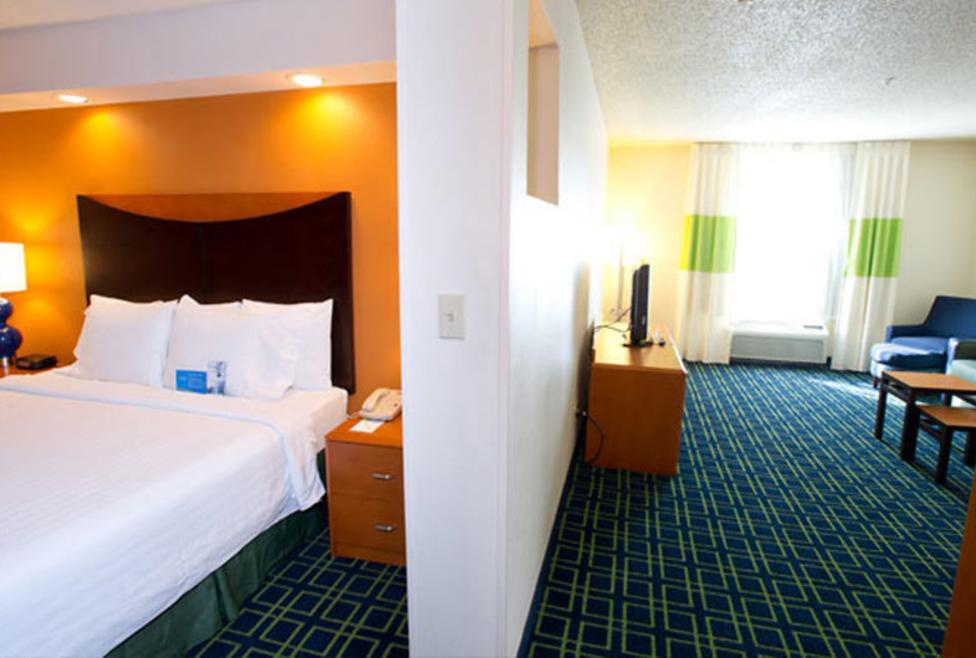 Fairfield Inn & Suites - DFW Airport North - Suite