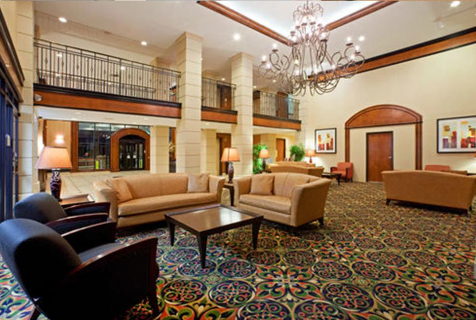 Holiday Inn Express Hotel & Suites - DFW Airport North - lobby