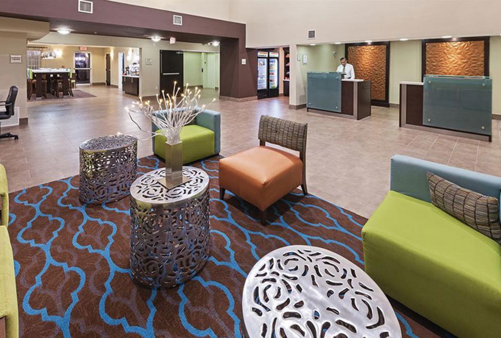 La Quinta Inn Hotel & Suites - Las Colinas - Lobby
