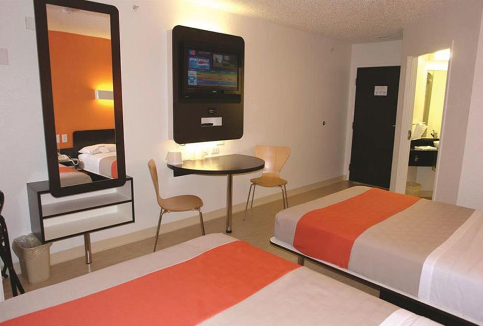 Motel 6 DFW North - double