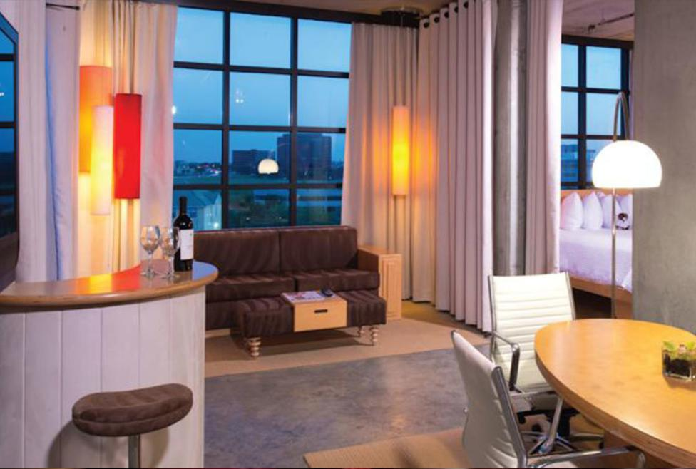 NYLO - suite