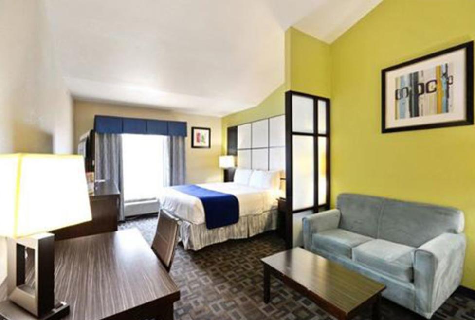 Super 8 Motel - DFW North - suite