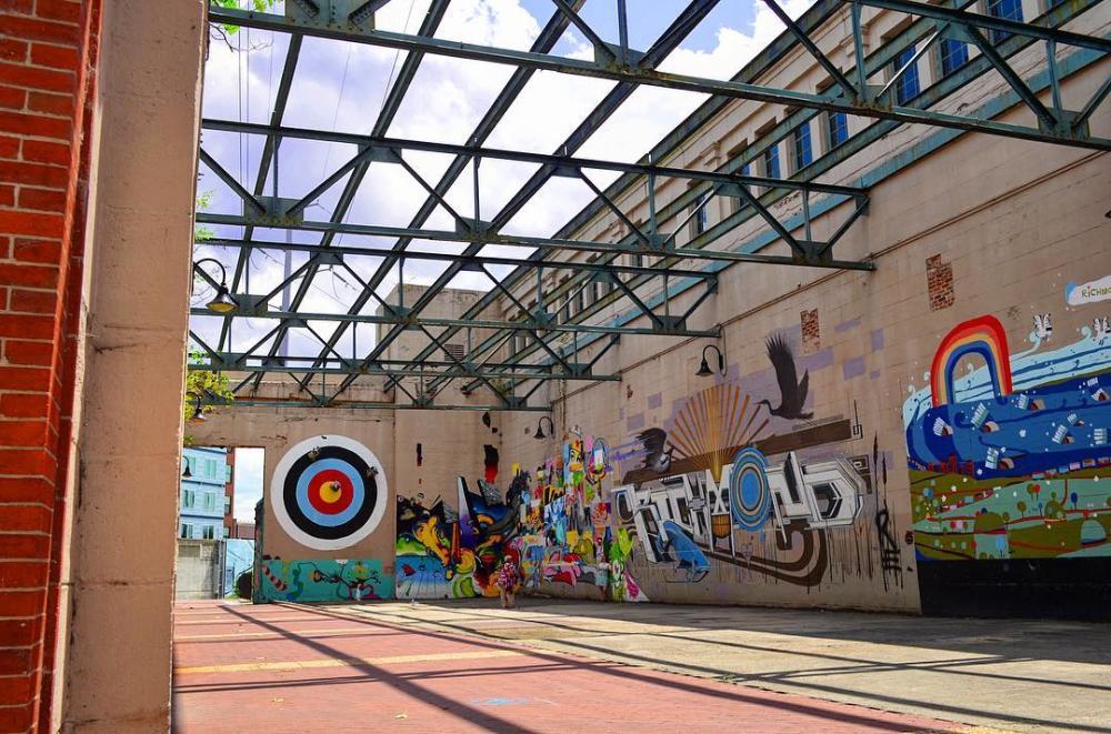 Canal Walk street art