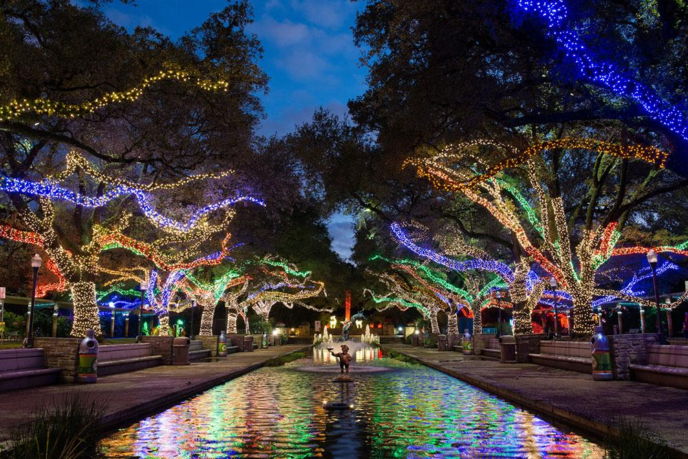 Holiday Lights In Houston Best Christmas Display Spots - 6 christmas attractions you can visit year round