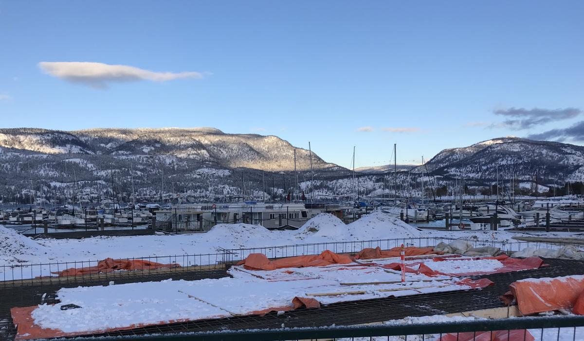 Photo of winter construction at new visitor centre