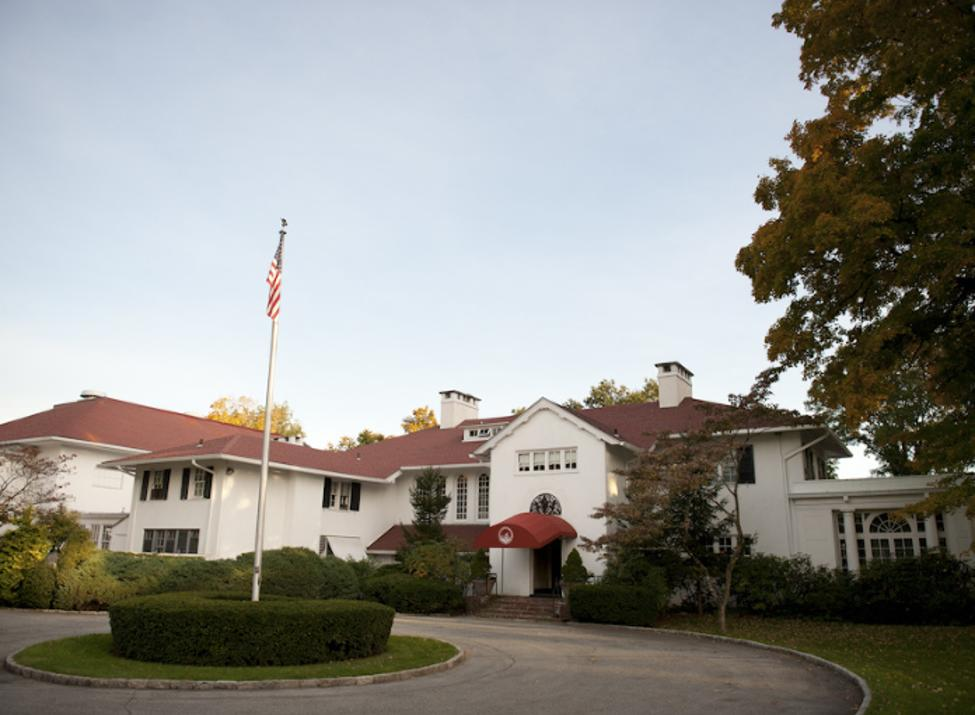 CV Rich mansion