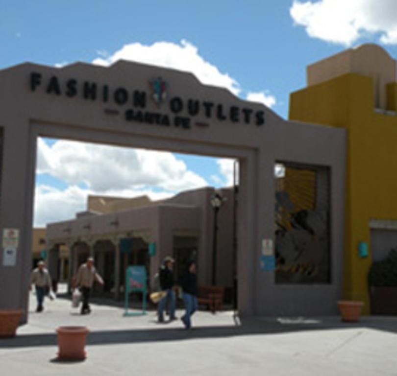 Fashion Outlets of Santa Fe