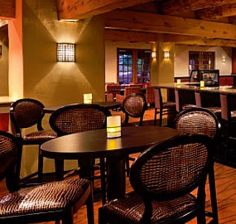 Bistro Restaurant & Lounge
