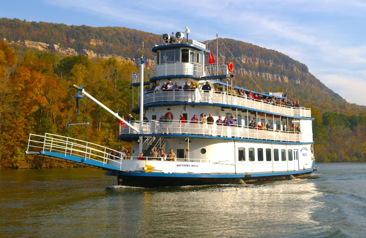 Fall_Southern Belle Riverboat Color Cruise