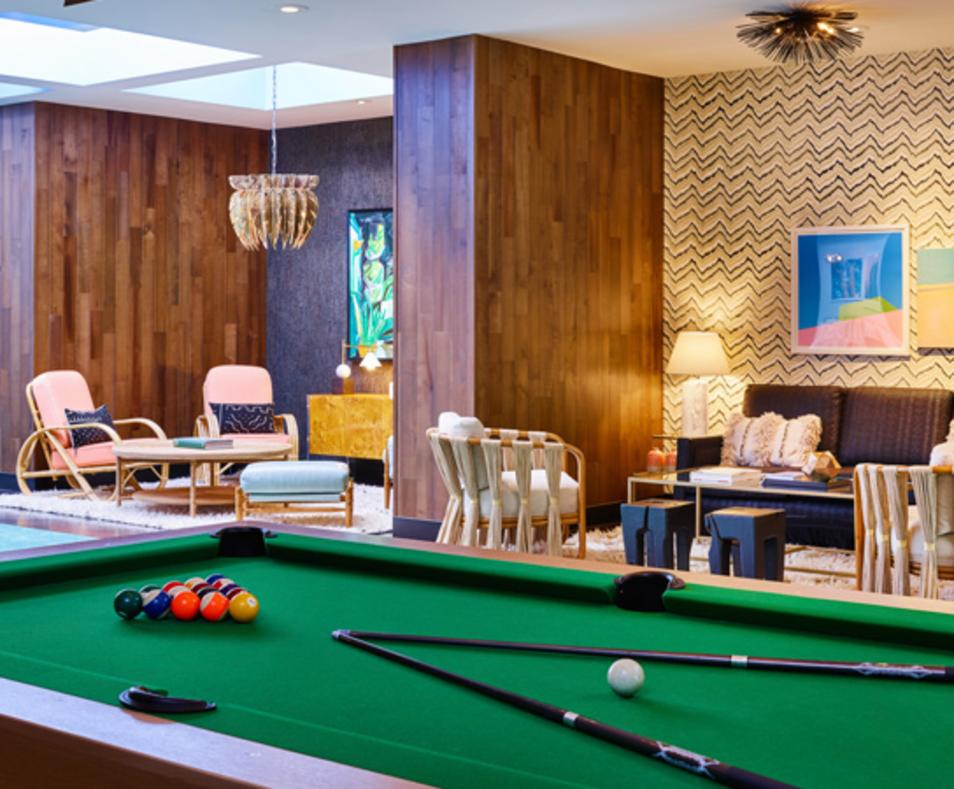 Arcade Lounge Pool Table