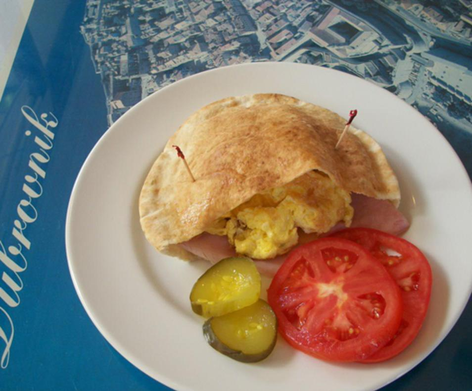 Breakfast pita