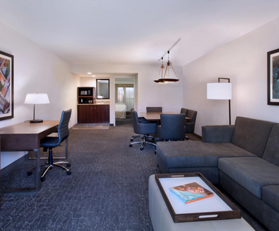 Embassy Suites Palm Desert