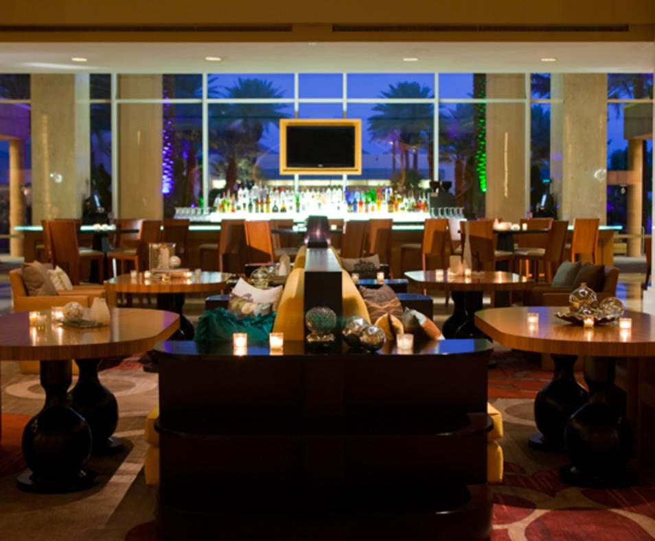 Glo Lounge