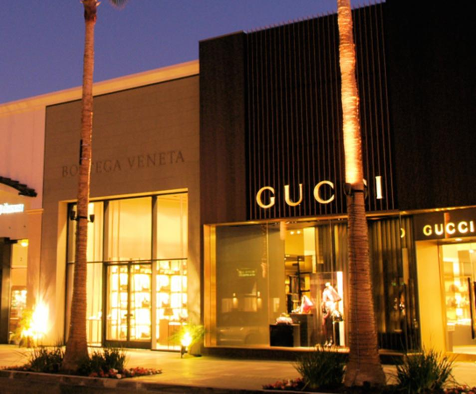 El Paseo Shopping Avenue
