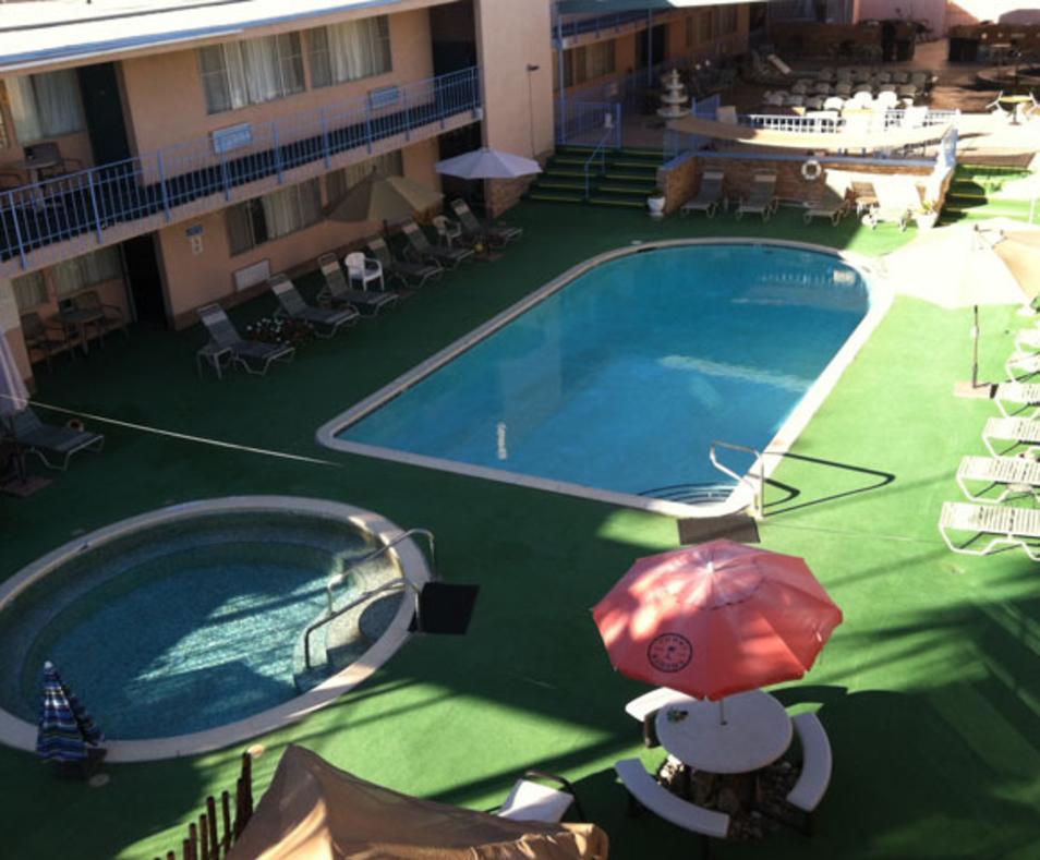 Sandpiper Inn & Spa