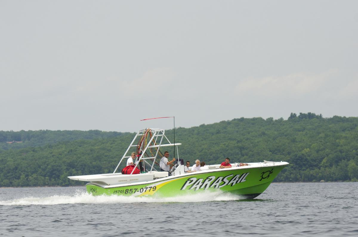 Boating on Lake Wallenpaupack in the Pocono Mountains