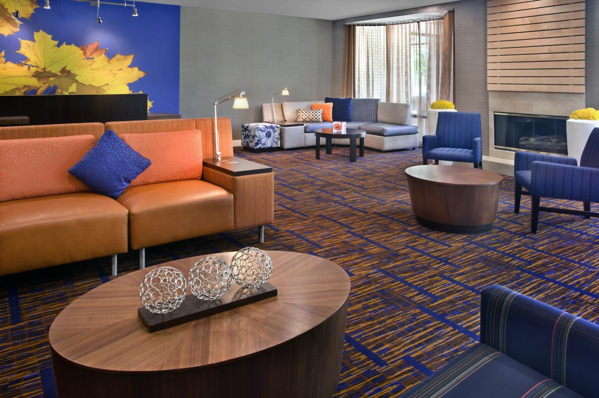 Courtyard by Marriott Plymouth Meeting Lobby