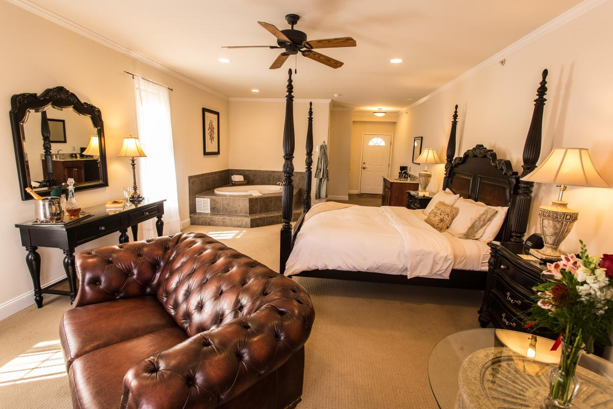 French Manor Inn & Spa in the Pocono Mountains