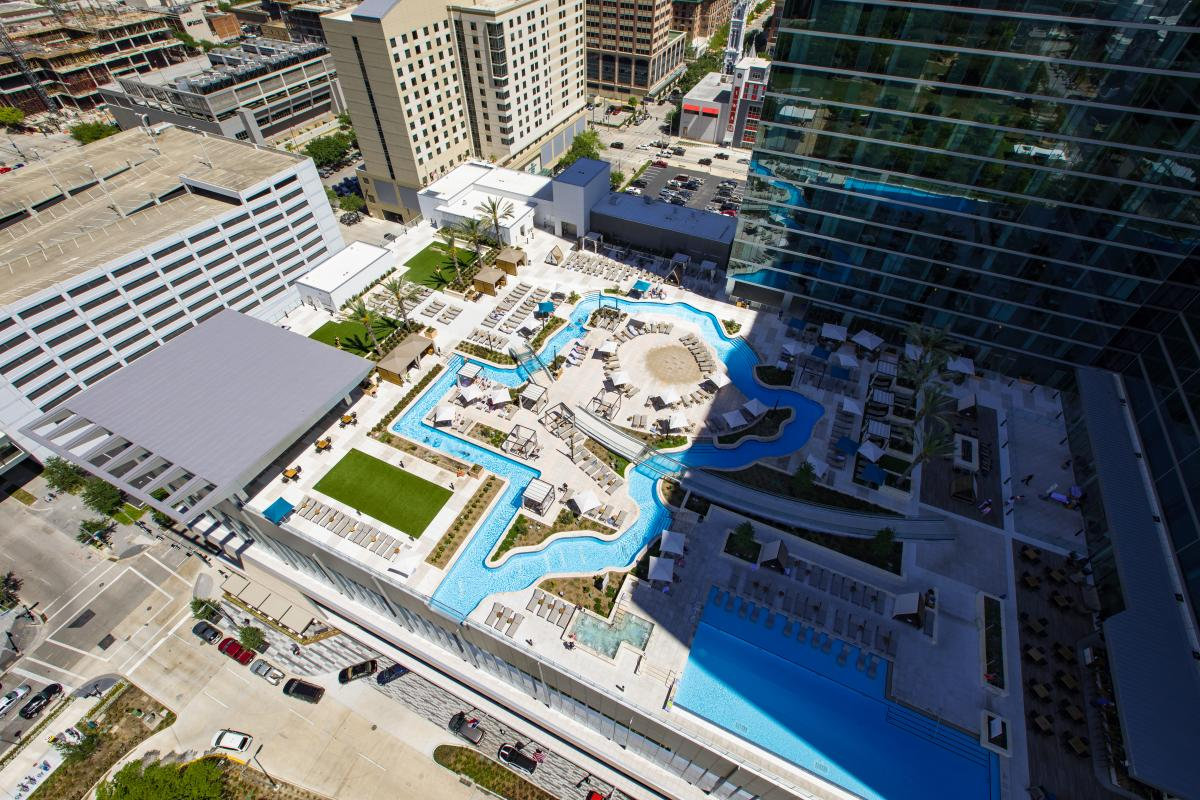 Cool hotel pools in houston resorts hotels in houston for Pool design houston tx