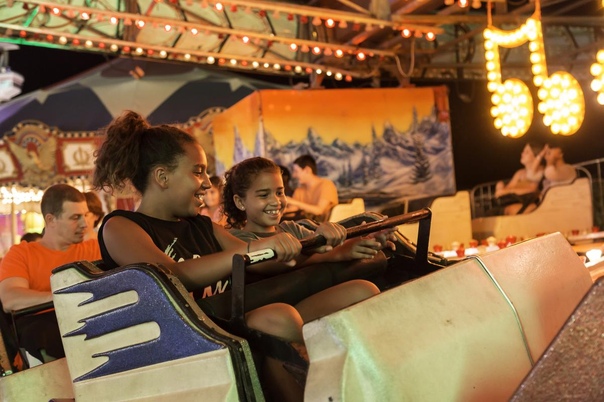 Fun on a ride at the Howard County Fair