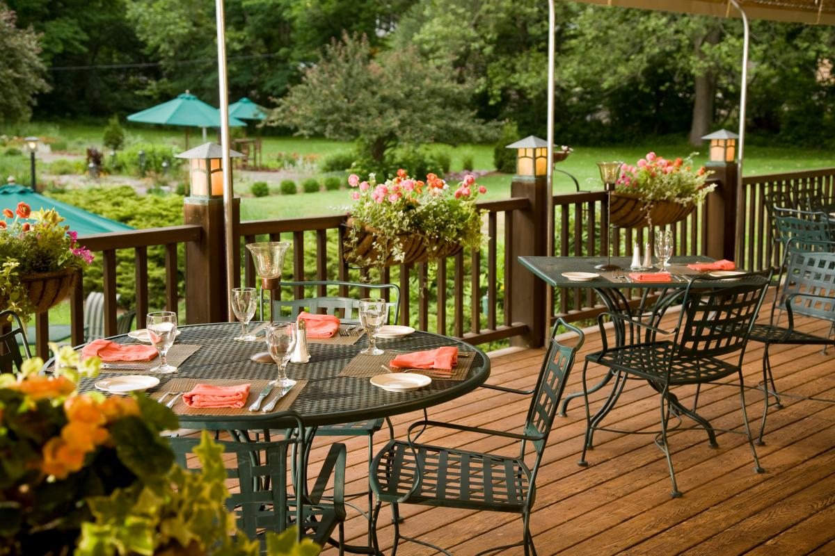 Outside Dining in the Pocono Mountains