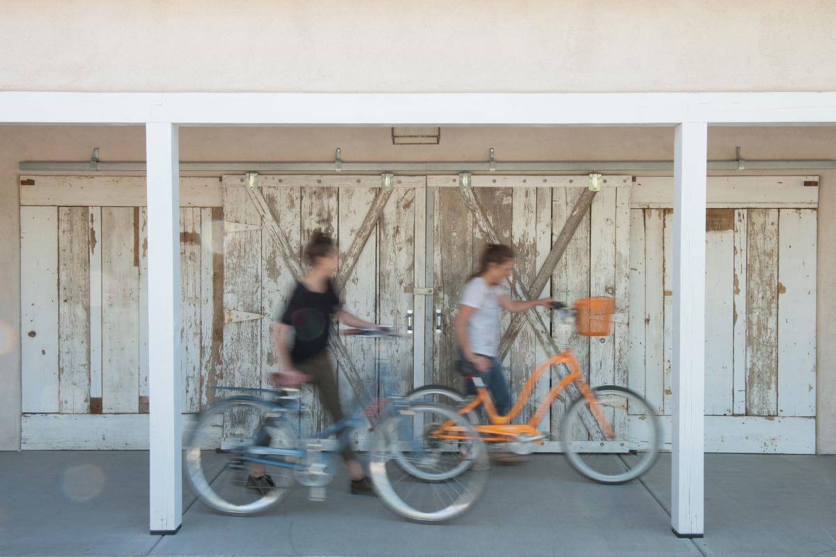 Los Poblanos' bikes in motion