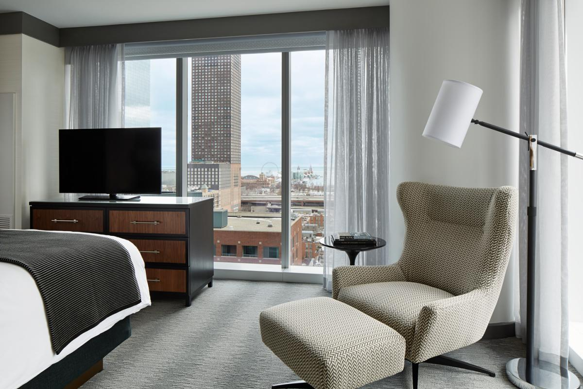 Loews Chicago Hotel Lake View Suite