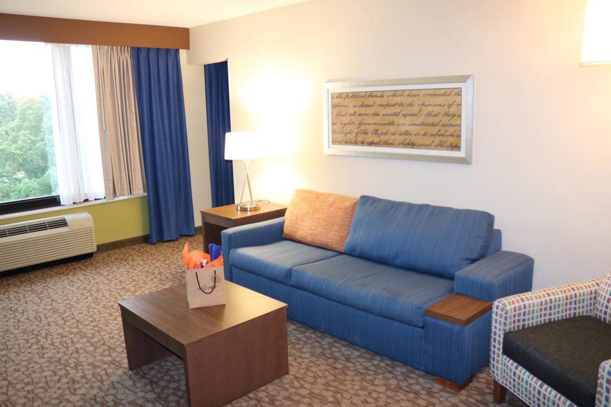 Holiday Inn Express Fort Washington - Jessica Lawlor