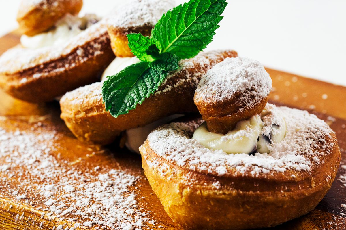 Hash Kitchen Cannoli Donuts