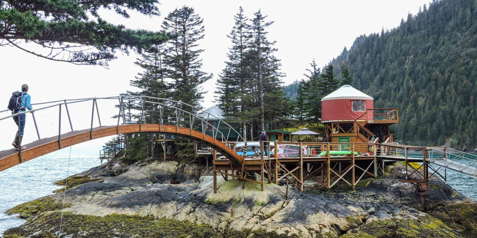 Bridge. Cabins