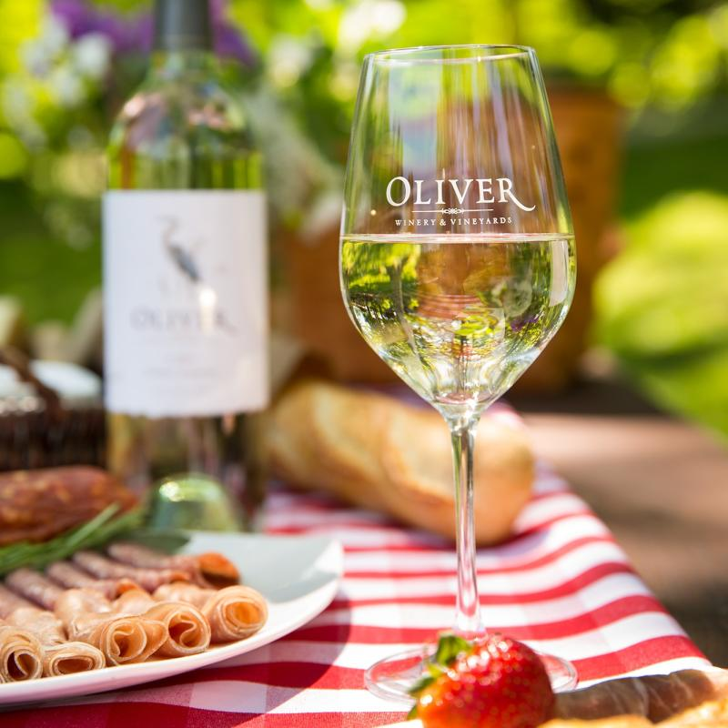 picnic at oliver