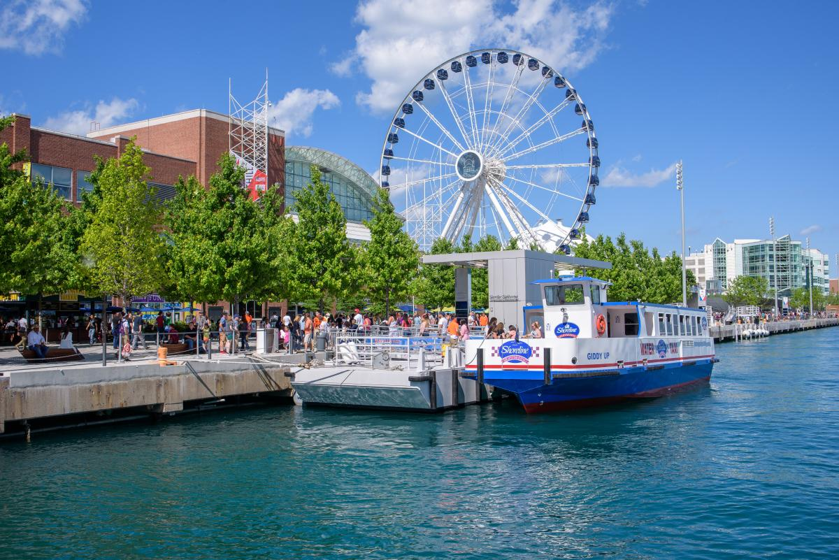 Shoreline Sightseeing at Navy Pier
