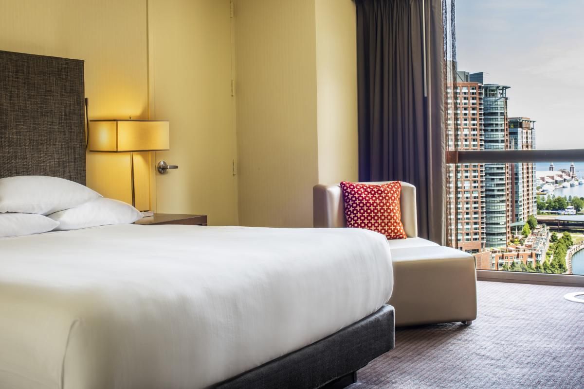 4 rooms with a view chicago hotels with best views hyatt regency chicago amipublicfo Gallery