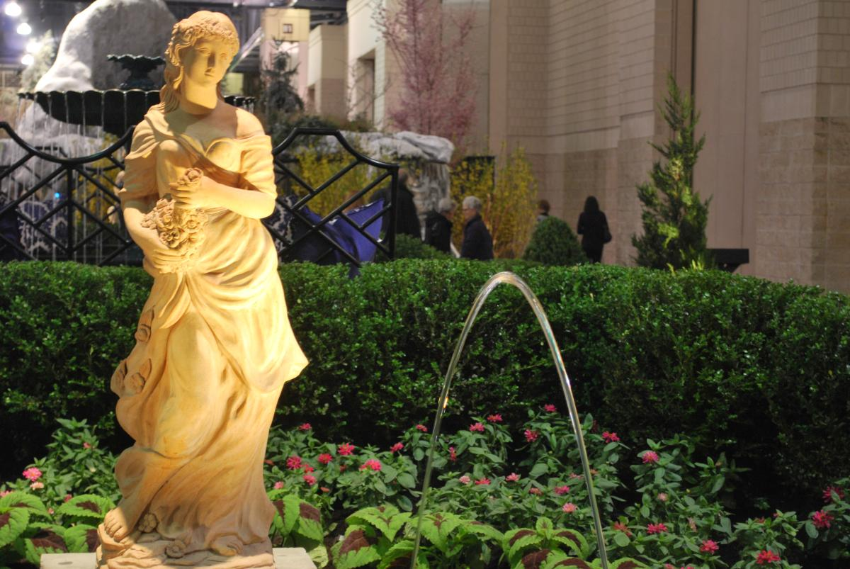 "The Burke Brothers' ""La Fontaine Elegance of Water"" at the Philadelphia Flower Show"