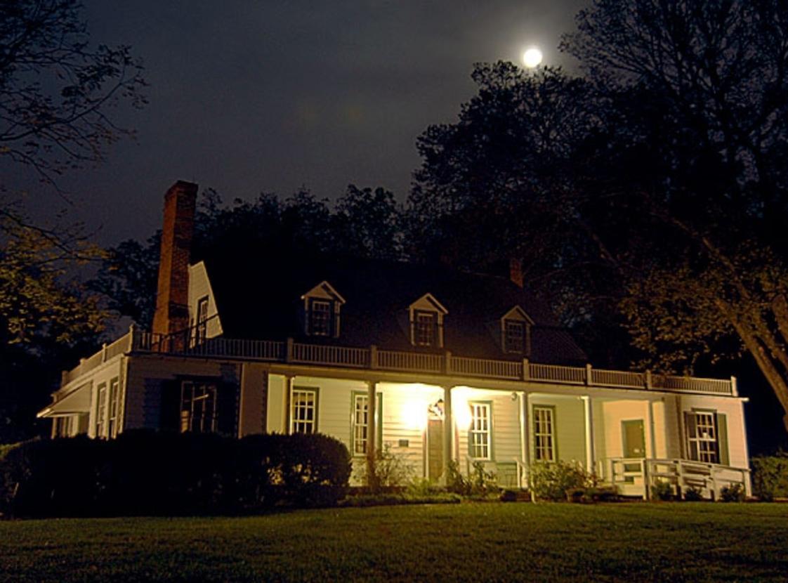 Rippon Lodge at Night