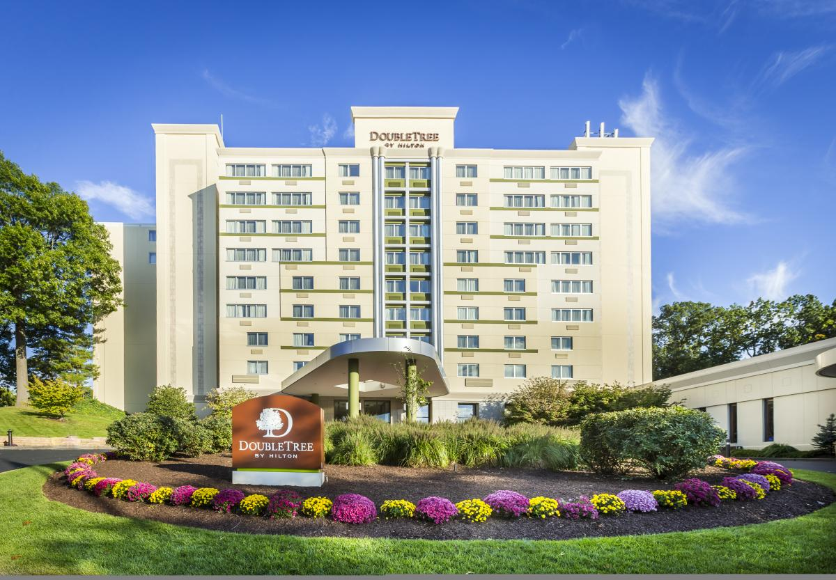 DoubleTree Valley Forge Exterior New
