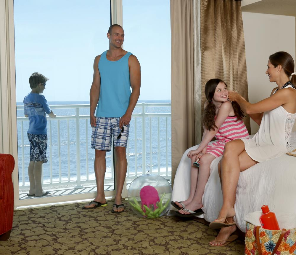 Family_Getting_Ready_for_Beach.jpg
