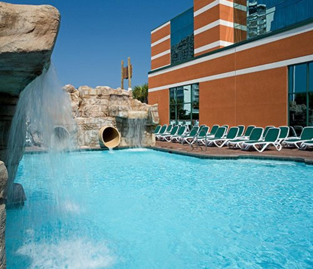 Outdoor Lazy River - 1.jpg