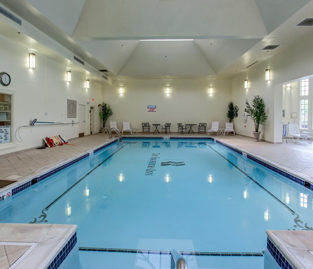 Pool_Inside-5.jpg